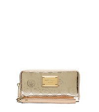 Jet Set Large Patent-Leather Smartphone Wristlet - PALE GOLD - 32S5MTTE9Z